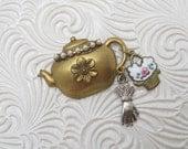 Teapot Charm Brooch Victorian Brass Vintage Jewelry X84