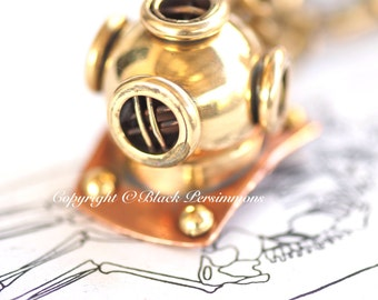 Deep Sea Diving Helmet KeyChain Necklace - Steampunk - Free Domestic Shipping