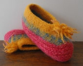 Knitted Wool Felted Woman's Slipper for Travel and Cottage