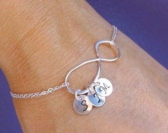 Silver initial bracelet, PERSONALIZED infinity bracelet, friendship bracelet, Custom mothers bracelet, Letter charm bracelet, sisters