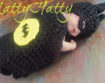 Batman hat diaperccover and boots, crochet batman hat, batman newborn costume, baby halloween costume batman , costume halloween batman
