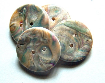 Mother of Pearl Buttons No. 226b