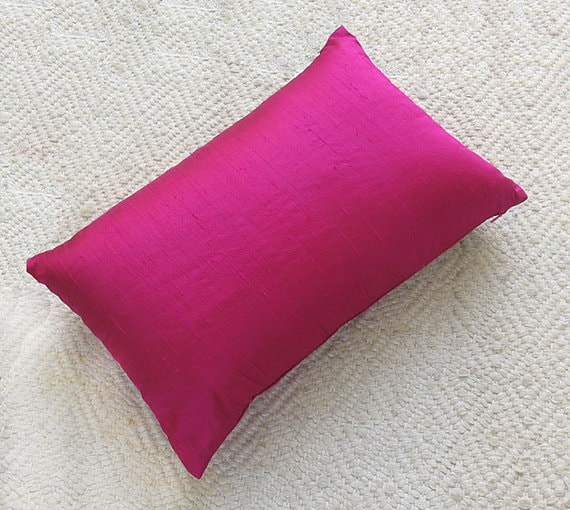 fuschia  pink dupioni silk  pillow cover. Throw pillow with or without paiping.custom made. 12x20