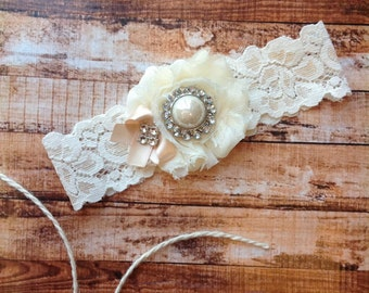 wedding garter / BLUSH BOW / toss garter ONLY / wedding garter / bridal garter / toss garter