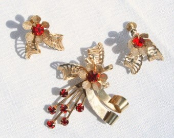 Coro Garnet Red Rhinestone Brooch Earrings Floral Spray Vintage Set Garnet Red Signed