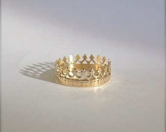 14k Gold Crown Ring