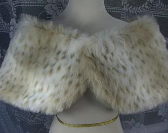 Extra Wide Faux Fur Shrug, Snow Leopard Faux Fur Shawl, Fur Stole, Wedding Shoulder Wrap
