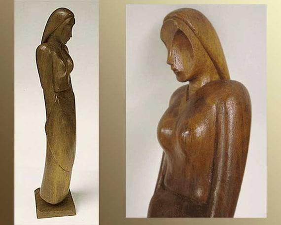 SLICK Chick-Danish Modern Style Teak Woman Figurine,Mid Century Modernist Statuette,Mid Century Carving,Vintage Home Decor