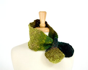 Crochet Bow Scarf, Green Neckwarmer, Womens Crocheted Scarves, Multicolor Pull Through Ascot Style Scarf, Wool Scarflette