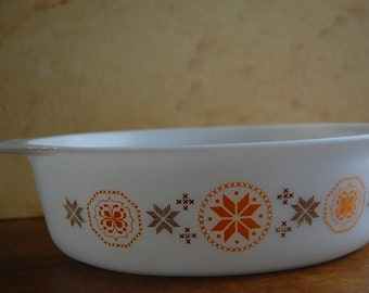 Vintage Brown Orange Pyrex casserole dish 2 1/2 quart Town and Country pattern