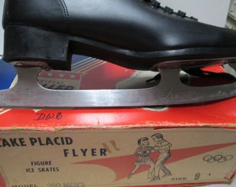 Mens Ice Skates Lake Plascid Olympics Collectible Vintage Aerflyte Skates Size 9 Red Blue Box Paper Ephemera Olympics Souvenir Winter Sports