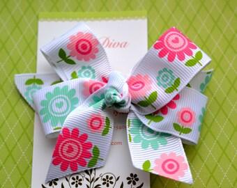 Spring Love Classic Diva Bow
