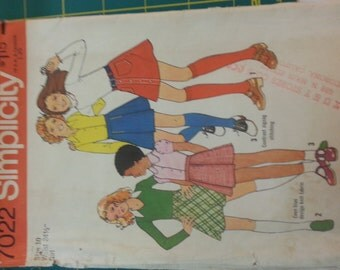 1970s Girls Skirts variation with pleats10 Simplicity 7022