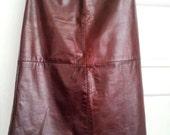 Gap Burgundy Genuine Leather Skirt Size 6/ Knee Length/ Vintage 1990s