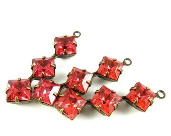 2 - Vintage Glass Square Stone in 1 Ring 3 Stones Antique Brass Prong Settings - Dark Pink - 30x8mm