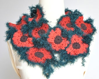 Curl - Red and Green - Crochet Flowers Scarf