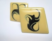 Vintage Swirl Post Earrings Black on Yellow