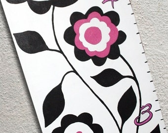 Custom Growth Chart Canvas Black Pink Flowers and Dots