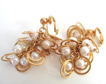 Vintage 80's Avon // Pearl Grape Cluster Clip on Earrings