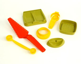 Vintage 1970s Tupperware Kitchen Gadget Set of 8 NOS / Avocado Green, Orange and Yellow Kitchen Ware