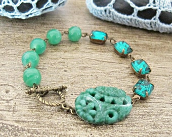 Vintage Emerald Green Bracelet Beaded Floral Toggle Clasp Zelena Asymmetrical. Glam It Up Floral Jade Brass. Jewellery Jewelry Handmade