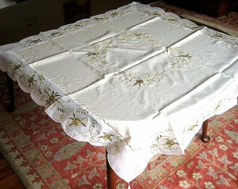 TABLECLOTH Vintage But New UNUSED Vermont Embroidered Silk & Gold Green Raised Flowers
