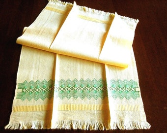 TOWEL Kitchen Bath Wash Cloth Vintage Washstand Guest Display Hemstitched Embroidered Aqua Shell Motif on Yellow