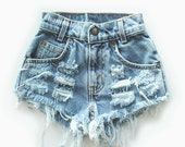 "ALL SIZES ""CHECKER"" Vintage Levi high-waisted denim shorts blue distressed frayed"