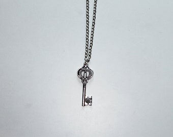 Key necklace - charm necklace - silver plated - 52cm - 26x2