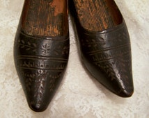 Antique Salesman Sample Shoes, 1930's Black Carved Wood Wooden Shoes, Hand Made Miniature Shoes, Made in Holland, Vintage Shabby Chic decor