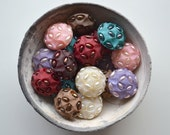 SALE - n. 21 Vintage round jewel buttons from 60s, resin and beads