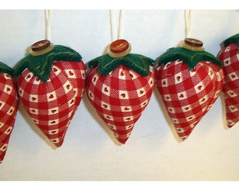 Strawberries Fabric Ornaments/Set of 5 with Basket*/Handmade*