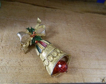 Vintage 1960 Gerrys Christmas Brooch Gold Bell with Bow and Holly, Moving Clapper: Ring Out the Bells