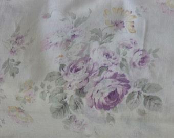 Durham Revival by Lecien Purple  Bouquet Purple  Roses on Cream 30821-110