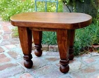 Reclaimed Furniture - Small Table - Oval Table - Coffee - Accent - Side - Wooden - Reclaimed Wood - Rustic - Honeystreasures - Livingroom