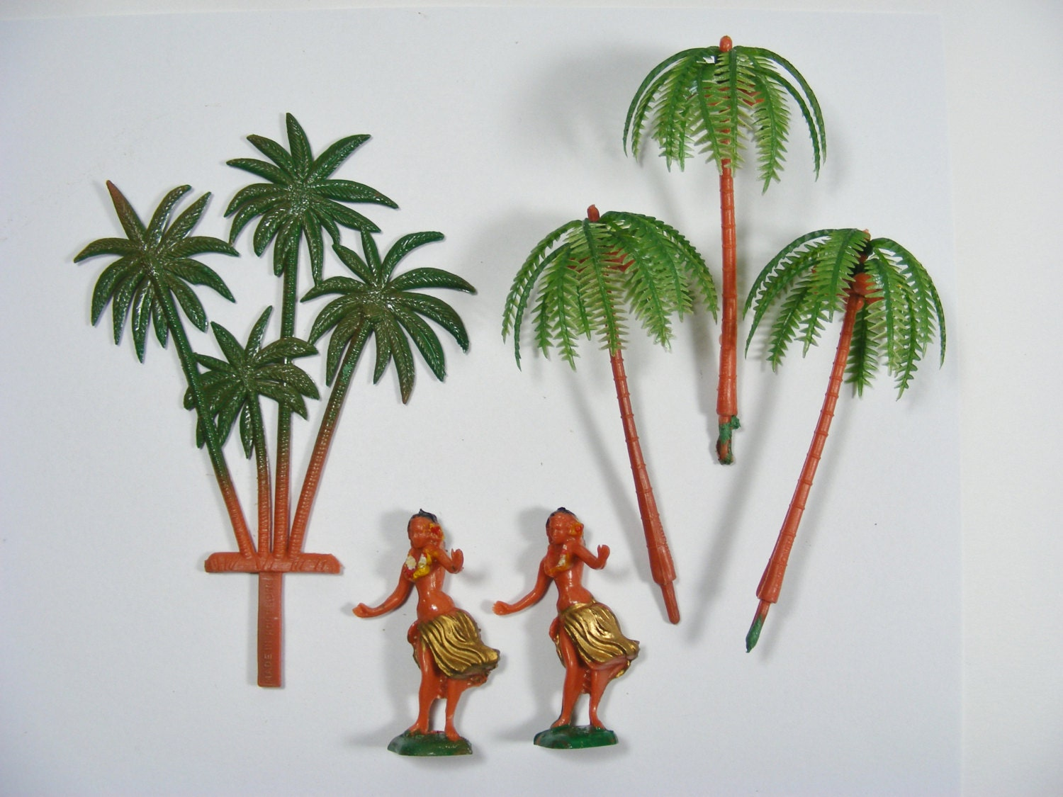 Island Cake Topper decoration Palm trees and hula girls