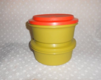 Tupperware Serve and Seal Bowl Round Storage Containers set of 2 bowls with lids