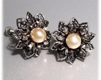 Vintage Silvertone Intricate Stamped Tin Flower Screwback Earrings Faux Pearl Bead Centers