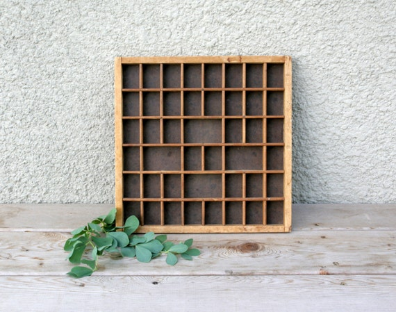 Vintage Shelf Display Knick Knack Collectibles Wall Hanging