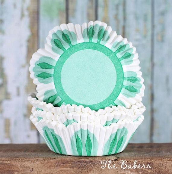 Green Tulip Cupcake Liners, Petal Cupcake Liners, Green Tulip Cupcake Wrappers, Flower Cupcake Liners, Easter Cupcake Liners (100)