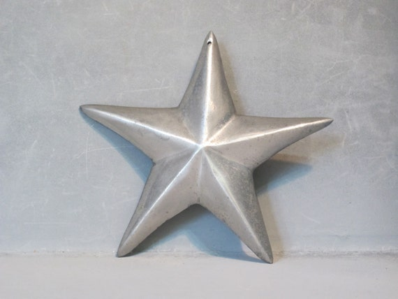 Vintage Metal Star Wall Hanging / 3-D Silver Star Beach House Decor, Nautical
