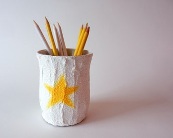 Yellow Star Office Pencil holder / little yellow star pen cup
