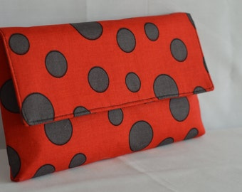 Red Spotted Large Clutch