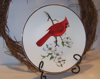 Vintage 1974 Avon Cardinal North American Songbird Plate with Easel Christmas Decor