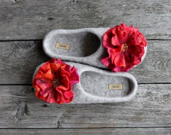 Felted wool slipper winter gift poppy red pink orange flowers wool clogs Eco friendly natural home shoes Christmas gift - handmade to order
