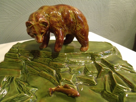 Vtg Ceramic Ashtray Grizzly Bear Catching Salmon Holland