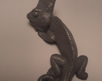 Veiled Chameleon Magnet cold cast pewter