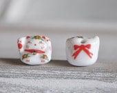 10pcs Porcelain Lucky Cat beads 13mm, Kawaii Ceramic Maneki Neko, Drilled with hole, White Red-(80144)
