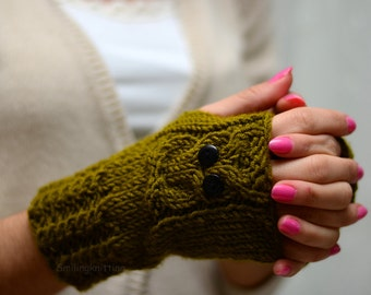 Owl, Green Owl Gloves, Hand Knit Owl Gloves, Fingerless Owl Gloves, Arm Warmers, Lemongrass, Fall Fashion