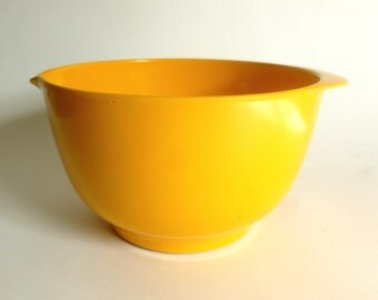 Vintage 1970's Rosti Denmark MEPAL-SERVICE 3 L Yellow Serving / Mixing Bowl